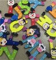 letras del alfabeto de la nevera al por mayor-Aprendizaje de juguetes alfabeto magnético animal de colores refrigerador de madera A-Z letras de madera de dibujos animados imanes de nevera 26pcs niños juguetes educativos