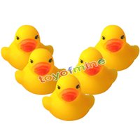 Vente en gros - Chaud! Jouets drôles de bain pour bébé Soft Rubber Squeaky Ducky Animal Toy Safety Baby Bath Tub Toy