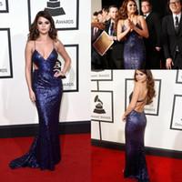 selena gomez sexy kleider großhandel-Selena Gomez Spaghetti Strap Pailletten Celebrity Abendkleider Cutaway Sides Mermaid Prom Kleider Sweep Train