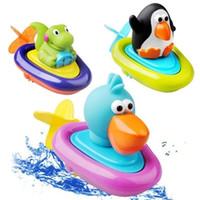 ingrosso anatra nuoto per i bambini-Baby Bath Toy kids wind up water cartoon pinguino anatra dinosauro Animali Nuoto giocattoli per bambini C2417