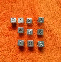 pulsera de letras cuadradas al por mayor-aleación cúbica Metal Suelto 1-9 Letras Números Cubo cuadrado Corazón Esmalte Negro Granos Grandes Agujeros Fit Serpiente esqueleto pulsera / Collar Joyería