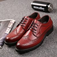 Wholesale Vintage Brogues Mens - Men's Dress Shoes Genuine Leather Pointed Toe Carved Brogue Vintage Wedding Shoes Mens Flats for Office