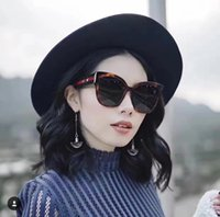 Wholesale Pearl Frames - New Fashion Hot Sunglases Women Runway Sunglasses High Quality Square Style Pearl Frame Sun Glasses Women Fashion 2017