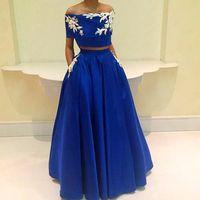 jolie robe de bal deux pièces achat en gros de-Jolies Deux Pièces Bleu Royal Robes De Soirée Longues Dentelle Robes De Soirée Formelles Robes De Soirée De Bal Des Robes Des Occasions Spéciales