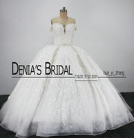 Wholesale puffy bridal dresses - Vintage Royal Bridal Wedding Dresses Puffy Ball Gowns Sweetheart Lace Appliques Tulle Cathedral Train Bridal Gowns