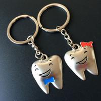 ingrosso doni a forma di dente-Creativo in lega di zinco a forma di dente divertente portachiavi portachiavi per gli amanti regalo di souvenir del partito SPEDIZIONE GRATUITA ZA3814