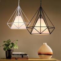 rustikale lampen großhandel-Moderne skandinavische minimalistische Vogelkäfig Anhänger Lampen Kunst Diamant Pyramide Pendelleuchten Vintage Eisen schwarz weiß rustikal Licht