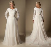 Wholesale Dress Chantilly - Vintage Chantilly Lace Wedding Dresses 2016 Fall Winter Long Sleeves Modest Bridal Gowns Tiered Nets Pleated Skirts Wedding Dress Cheap