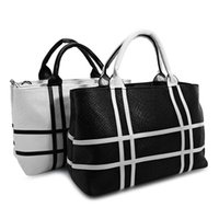 Barato Bolsas De Casamento Brancas-Crocodile Stripe Tote Bag Mulheres Shoulder Color Block Bags Preto Branco Ladies Party Purse Wedding Clutches Handbags