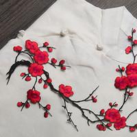 applique eisen kleidung großhandel-Neue Pflaumenblüte Blume Applique Kleidung Stickerei Patch Stoff Aufkleber Eisen auf nähen auf Patch Handwerk Nähen Reparatur bestickt