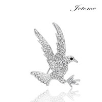 Discount eagle pins China wholesale New design Fashion Clear Crystal Flying Eagle Bird Brooch Pins Animal Jewelry brooch pins