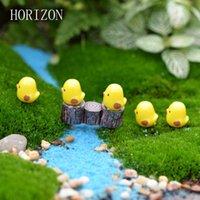 ingrosso mini figurine-5pcs / lot Miniature Figurine Fata Carino Mini Chick Giardino Miniature Micro Paesaggio artificiale Resine Manualidades