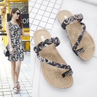 Wholesale Comfortable Flip Flops For Women - Flat slippers for lady hot design beach leisure crystal super comfortable breathable leather women thong slippers YonDream-225