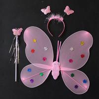 tres alas al por mayor-Presentaciones del Día del niño, disfraces, disfraces, utilería, ángeles, mariposas, tres juegos de polvo de oro, lentejuelas dobles