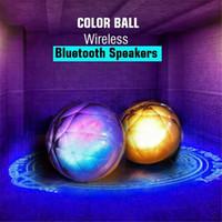 çok renkli bluetooth toptan satış-LED Işık Ile MultiColor Topu Kablosuz Bluetooth Hoparlör Sihirli Kristal Uzaktan Kumanda Desteği TF Kart Yuvası Ile FM Hoparlör