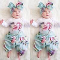 bebé niñas flor diadema tres al por mayor-Nuevos trajes de Navidad 2017 Baby Baby Girls de tres piezas Floral Love Heart Top Romper + Pantalones de flores + Conjuntos de diadema