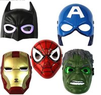 300pcs Noël LED Glowing superhero mask pour enfant adulte Avengers Marvel spiderman Ironman Capitaine Amérique Hulk Batman Party mask