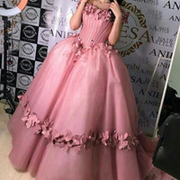 Wholesale ball closure online - 2017 Blush Pink Princess Prom Dresses with Petals Decorated with Boned Bodice with Lace Up Closure Floor Length