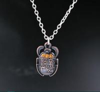 böcek kolye toptan satış-Toptan-Mısır Scarab Beetle Ile Rhinestones Charms Alaşım Kolye Kolye Vintage Antik Gümüş Takı Hediye Yeni 1 ADET