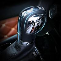 perillas de cambio vw al por mayor-Etiqueta engomada de la cubierta de la cabeza del engranaje del botón del cambio de marchas para VW Volkswagen Golf 7 MK7 Golf 5 6 Passat B5 B6 B7 Polo CC Tiguan Jetta