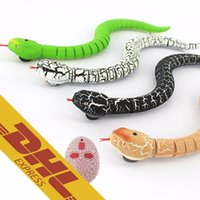 Wholesale Remote Control Snakes - 24pcs lot IR RC Snake Centipede Bionic Reptile Animal 3CH Infrared Remote Radio Control Ratlesnake Chilopod Scolopendra Tricky Brains Toys