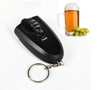 Mini Breathalyzer exacta Keychain Probador del alcohol de la respiración con la linterna Alcohol Breath Analyzer Digital Breathalyzer