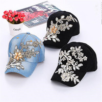 Womens Snapback Caps Rhinestone Flower Fitted Baseball Cap Atacado Summer Lady Denim Chapéus Brand New Moda Hip Hop Cap Sun Hat