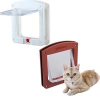 ingrosso serrature magnetiche porte-Nuova plastica resistente 4 vie di chiusura magnetica Pet Cat Door Piccolo cane gattino impermeabile Flap Safe Gate Safety Supplies