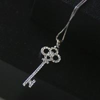 Wholesale Gold Key Necklaces For Women - Pink Queen N140 2016 New Wholesale Hollow Crystal Rhinestone Gold Silver Key Chain Clavicle Womens Pendant Necklace For Women