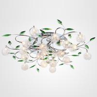 lámpara de bola de alambre al por mayor-Luz de techo LED Moderna Luz de hojas verdes Luz de techo de bola de cristal Lámpara de techo de alambre de aluminio Lámpara de sala de estar 6/10/15 luces
