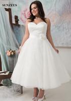 Wholesale Wedding Gowns For Big Women - A-line Sweetheart Strapless Ankle Length Wedding Dresses For Plus Size Women Lace Bridal Gowns With Big Flower vestidos de novia