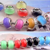 perles de couleur de fluorescence achat en gros de-50 PCS / Lot Mode Fluorescence Ronde Pur Couleur Design Résine Charmes Argent coeur Européen Grand Trou Dot Perles pour Fabrication de Bijoux Faible Prix