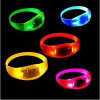 bracelet glo achat en gros de-Enfants Jouets LED Bracelet de contrôle vocal Glo-sticks Bracelet LED clignotant Bracelet Brillance Bracelet LED Bracelet de Noël Cadeau