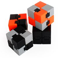 Wholesale Creative Puzzle Leisure Decompression Infinity Fidget Cube Ring Stress Anxiety Ring Toy ADHD Anti Stress Relief Focus Toys Gift