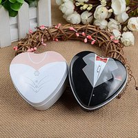 Wholesale Wedding Dress Candy Favor Box - Bride Groom Mint Tin Box Wedding Favor Boxes Dressed To The Nines Casamento Candy Box Chocolate Sugar Packing ZA3778