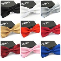 accessoires noeud papillon achat en gros de-Adulte Bow Tie Pour Style Simple Hommes Business Bowtie Couleur Unie Costume Accessoires 1 6mc C R