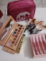 Meistverkaufte KYLIE Make-up-Portfolio, 16 Farbe Lidschatten Wimperntusche, Lipgloss Kombination, rosa Gelee Make-up Tasche, Make-up Pinsel-Set