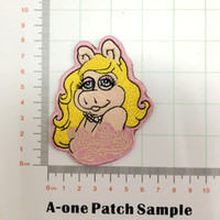 eisen mädchen appliques großhandel-Die Muppets Miss Piggy Cartoon bestickte Mädchen Eisen auf Applique Kleidung Patch Aufkleber Bekleidungszubehör Patch