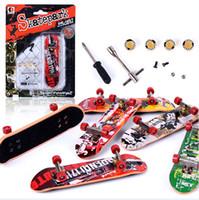 Wholesale Skateboard Tools - Alloy finger skateboarding toys finger skateboards mini suit professional wear tool fingertips dance
