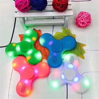 EDC LED Bluetooth Music Fidget Spinner Spinning Brinquedos Mão Spinners Triângulo Finger Spinning Top coloridos por atacado Fingers Light Up Toy