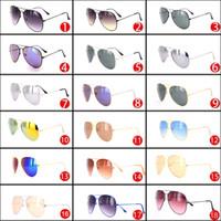 c02b5cc9da Gafas de sol al por mayor de la marca del diseñador para las mujeres y los hombres  Gafas de sol del metal barato de la mujer sombras de la manera del hombre  ...