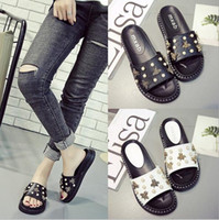 Wholesale Women Beach Shoes Design - Feminina slippers summer bees design sandals luxury woman summer shoes pearls flip flops chaussure femme beach sandals