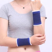 Wholesale basketball wrist support resale online - Wrist Support Unisex Light Sweaty And Breathable Basketball Running Sport Bracers Sprain Protect Shock Absorb Relief Wrists Guard al F1