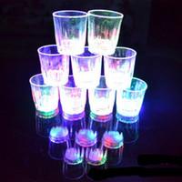 vasos de chupito de plástico al por mayor-Moda nueva 5.5 * 5 cm 24pcs / lote LED Copa intermitente Vasos de plástico Vaso intermitente Led Shot Cup Flash Taza pequeña