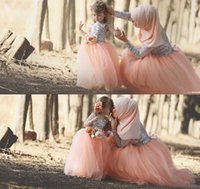 Wholesale mother daughter t shirts - Muslim Prom Dresses Coral Color Bling Bling Sequins Long Sleeve Tulle Floor Length Flowers Mother Daughter Dress 2017 Prom Gowns