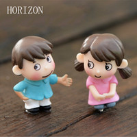 Wholesale couples figurines - Wholesale- 2Pcs Sweety Lovers Couple Figurines Miniatures Fairy Garden Gnome Moss Terrariums Resin Crafts Decoration accessories