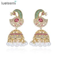 indische perlenschmucksachen großhandel-Antike indische ethnische Jhumka Jhumki Ohrringe mit weißem geschaffenem Perlen-Regenschirm-Tropfen-Einstellungs-Leuchter-Ohrring für Brautschmucksachen LUOTEEMI