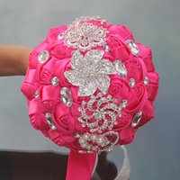 yeni pembe gül çiçekleri toptan satış-Sıcak Pembe Düğün Buketleri Gül Yapay Tatlı 15 Quinceanera Buket Kristal Ipek Kurdele Yeni Buque De Noiva 37 Renkler W228-A