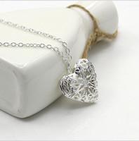 фоторамка свадебное серебро оптовых-Медальон кулон ожерелья резьба полые сердца ожерелье фото рамка любителей подарок серебряные украшения для свадьбы ожерелье