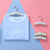 Wholesale 4pcs Retractable Portable Travel Hanger Magic Clothes Hanger Non slip Coat Trouser Hanging Rack Hotel Closet Organizer